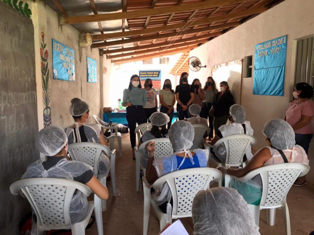 janaina ramos realiza varias acoes atraves da secretaria de desenvolvimento social em imperatriz 4 1024x766 - Janaína Ramos realiza várias ações através da Secretaria de Desenvolvimento Social em Imperatriz