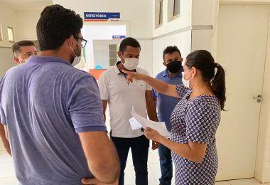 Prefeito Arnóbio recebe hospital municipal totalmente sucateado em Jenipapo dos Vieiras