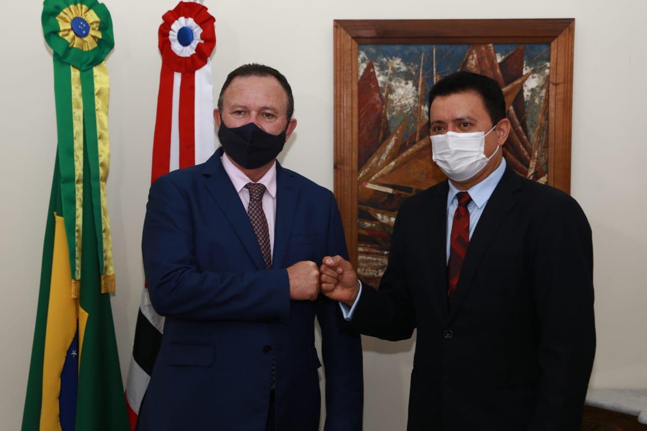 Prefeito Rigo Teles vai ao Palácio dos Leões e se reúne com governador em exercício