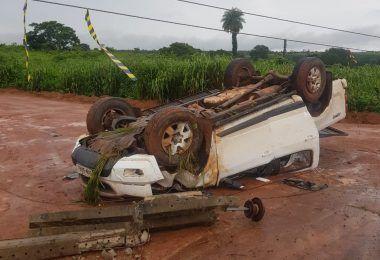 Acidente na BR 226 na entrada de acesso ao povoado Boa Sorte provocou desligamento da energia em várias localidades.