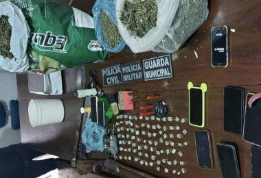 Polícia prende cinco pessoas por tráfico de drogas e corrupção de menores em Grajaú