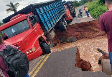 URGENTE!! MA-012 acaba de romper em trecho entre São Roberto e Esperantinópolis, no Maranhão