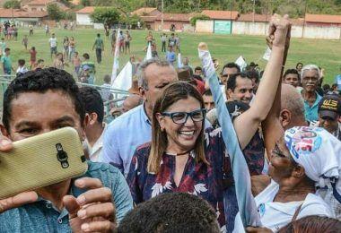 Mesmo sem o apoio da maioria esmagadora de prefeitos e deputados, Roseana Sarney lidera em pesquisa rumo ao governo