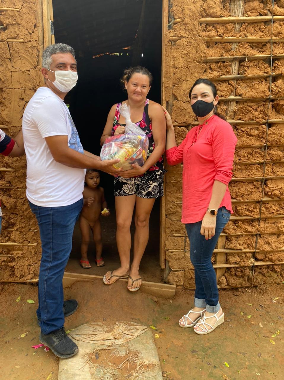 AÇÃO SOLIDÁRIA: Prefeito Júnior do Posto realiza entrega de centenas de cestas básicas em Itaipava do Grajaú