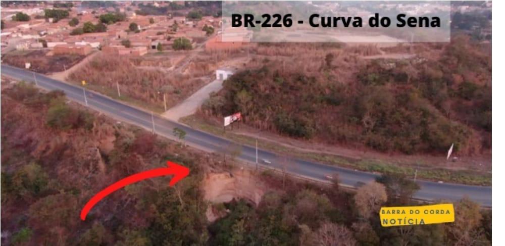 forte chuva em barra do corda provoca deslizamento de terra ao lado do acostamento da br 226 2 - Forte chuva em Barra do Corda provoca deslizamento de terra ao lado do acostamento da Br-226