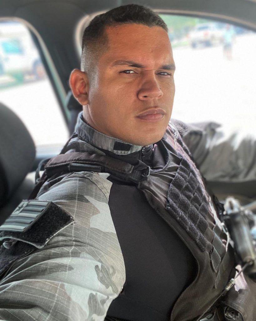 policial militar lotado no quartel da pm em barra do corda convence homem a nao cometer suicidio 1 819x1024 - Policial Militar lotado no Quartel da PM em Barra do Corda convence homem a não cometer suicídio