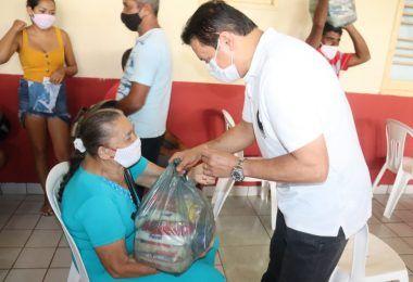 SEMANA SANTA: Rigo Teles entrega 60 toneladas de alimentos para famílias carentes em Barra do Corda