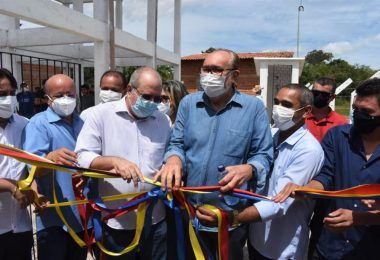 Hildo Rocha, César Pires e João Igor inauguram sistema de abastecimento de água que beneficia mais de mil pessoas na Mamorana