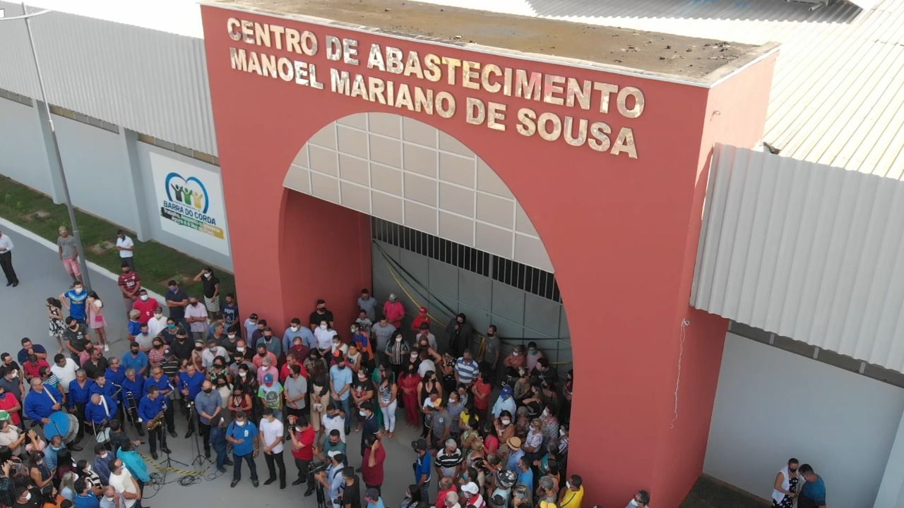 Prefeito Rigo Teles entrega várias obras no aniversário de 186 anos de Barra do Corda