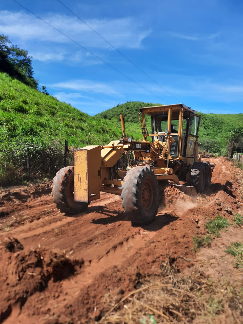 Prefeito Rigo Teles inicia trabalhos de recuperação da estrada que liga a Br-226 ao povoado Três Lagoas do Manduca
