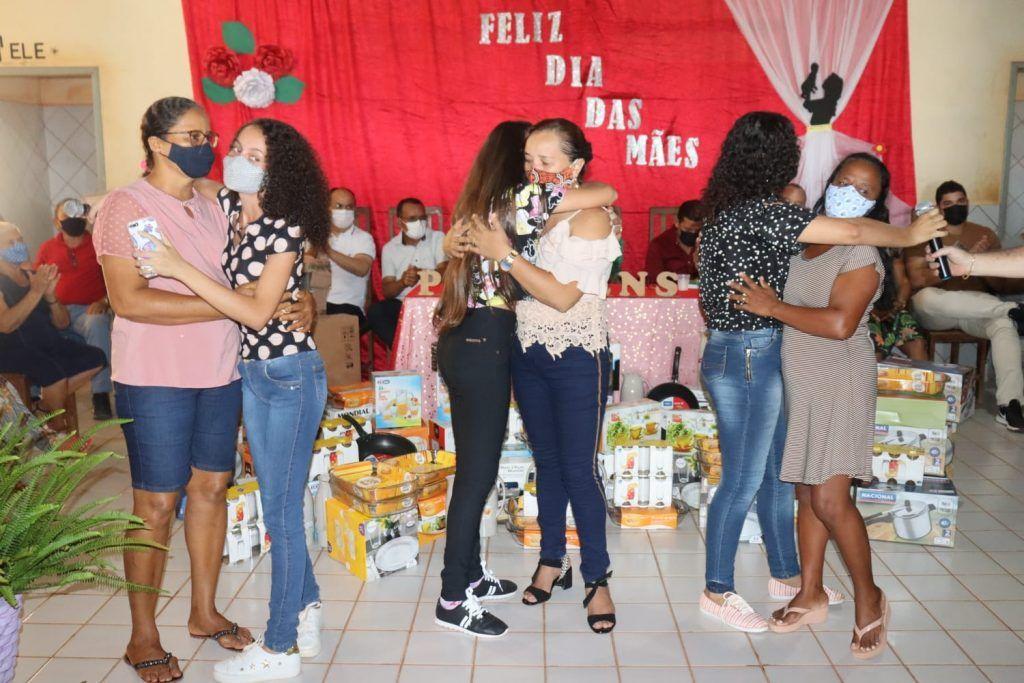 primeira dama abiagil cunha promove festa em comemoracao ao dia das maes na zona rural de barra do corda 7 1024x683 - Primeira-dama Abigail Cunha promove festa em comemoração ao dia das mães na zona rural de Barra do Corda