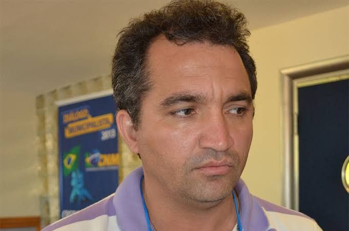 Justiça manda bloquear bens do ex-prefeito de Arame por comandar esquema fraudulento que empossava candidatos excedentes de concurso público