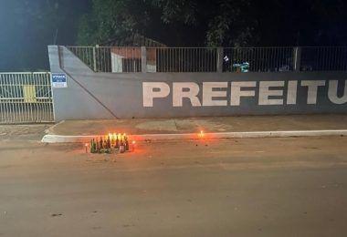 QUE LOUCURA! Trabalho de magia negra é feito em frente à prefeitura de Açailândia, no Maranhão