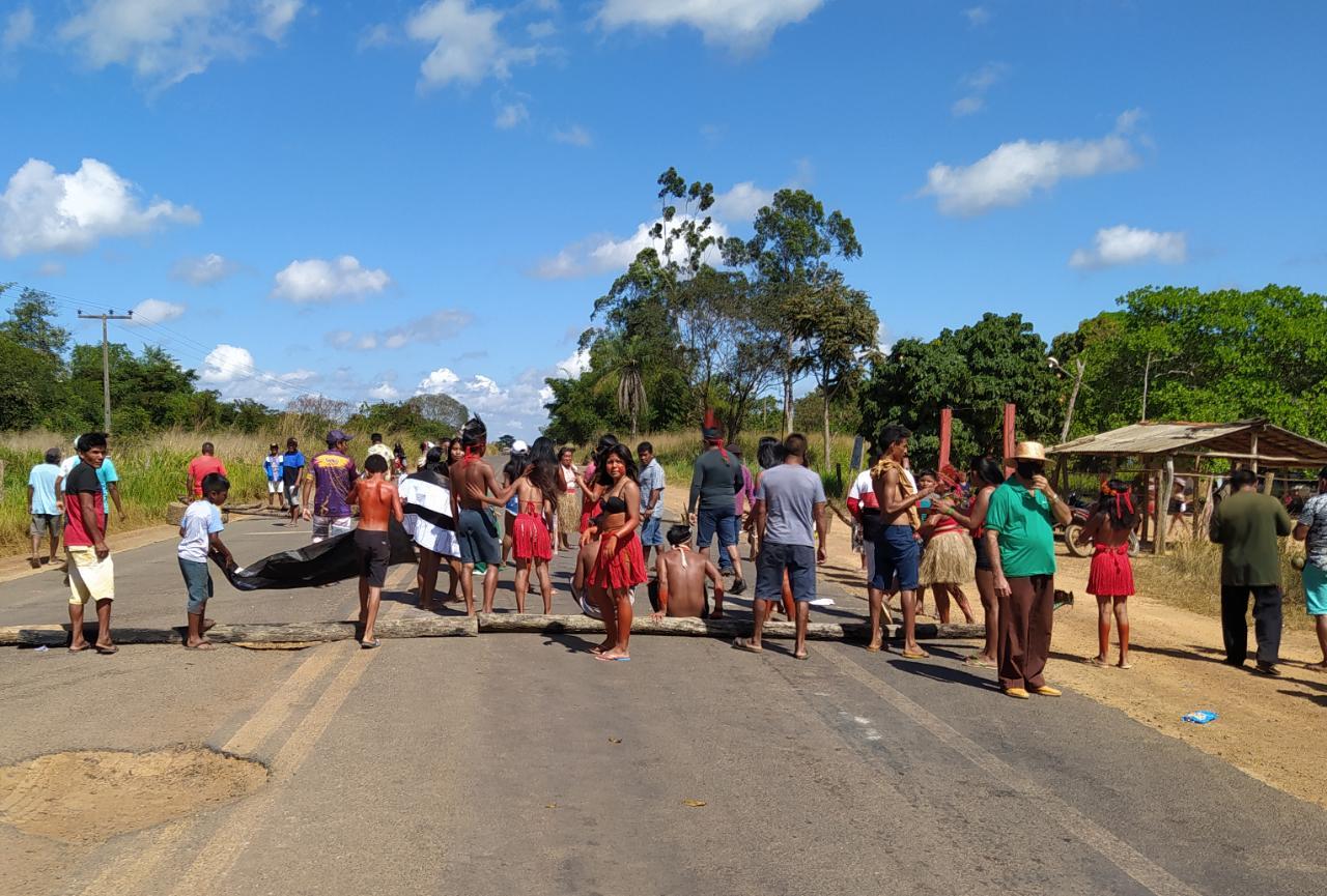 BR-226 é bloqueada por indígenas entre Barra do Corda e Grajaú