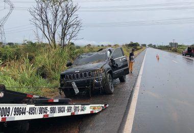 URGENTE!! Médico Jerônimo Ferry sofre acidente na Br-226 e veículo tem perda total