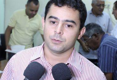 26 DE JULHO: Juiz Queiroga Filho aceita denúncia contra o ex-prefeito Eric Costa de Barra do Corda