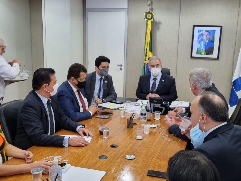 prefeito rigo teles acompanhado do deputado hildo rocha se reunem em brasilia com o ministro da saude 1 1024x768 - Prefeito Rigo Teles acompanhado do deputado Hildo Rocha se reúnem em Brasília com o ministro da saúde