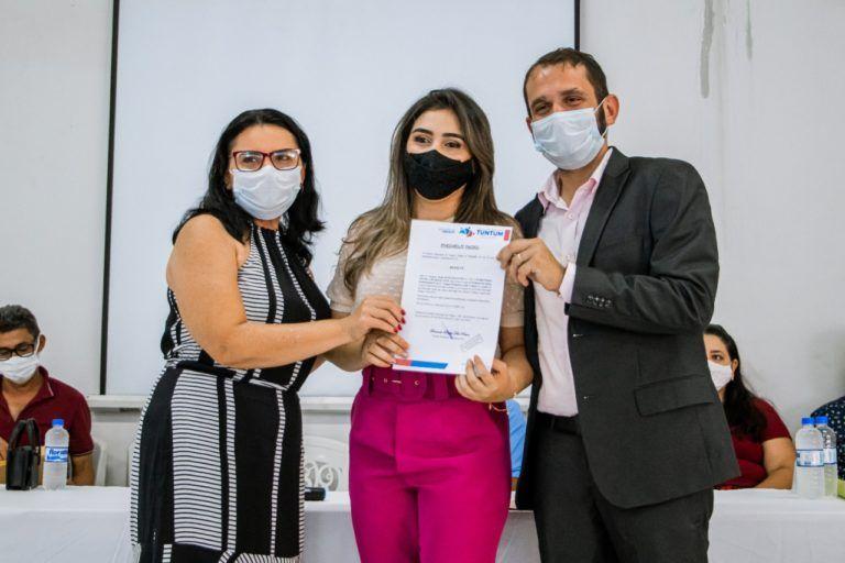 Fernando Pessoa dá posse a aprovados no último concurso público de Tuntum
