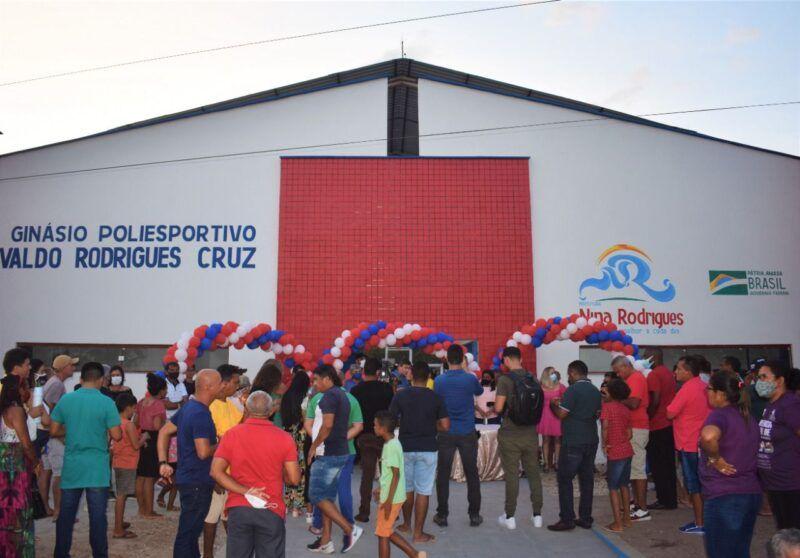 Inaugurada, em Nina Rodrigues, quadra coberta poliesportiva financiada com emenda do deputado Hildo Rocha