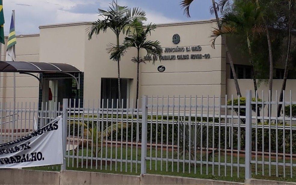 Justiça anula demissão por justa causa de trabalhadora que pegou R$ 1,50 do caixa para comprar lanche na própria empresa
