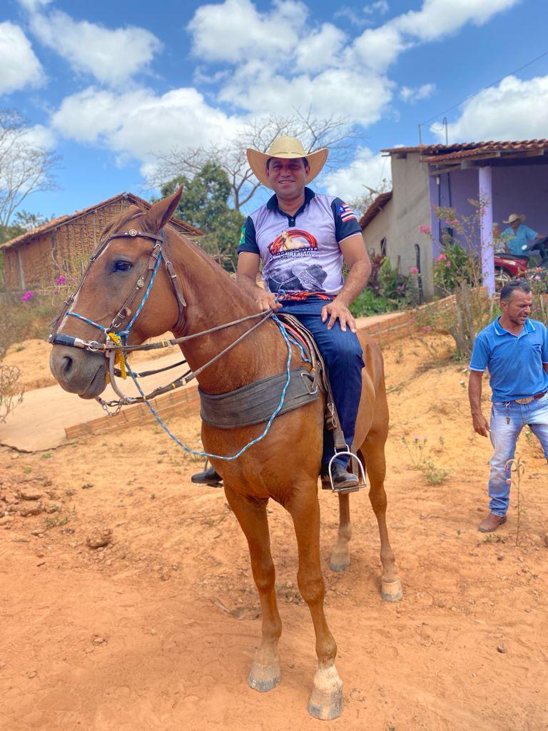 prefeito arnobio e primeira dama elane participam de grande cavalgada em jenipapo dos vieiras 4 - Prefeito Arnóbio e primeira-dama Elane participam de grande cavalgada em Jenipapo dos Vieiras