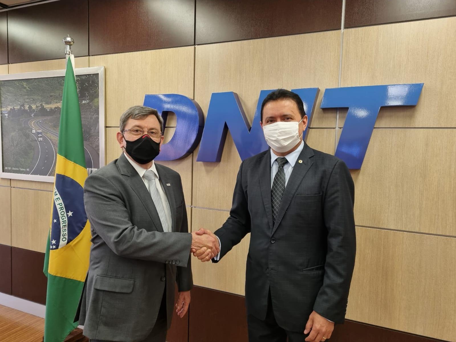 Prefeito Rigo Teles se reúne em Brasília com Diretor-geral do DNIT e pede melhorias urgentes para a Br-226