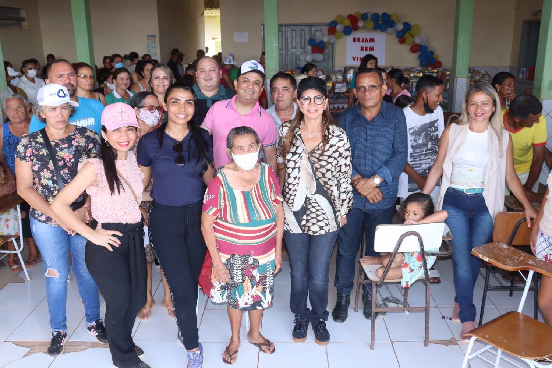 QUINTA-FEIRA: Abigail Cunha visita vários povoados na zona rural de Barra do Corda