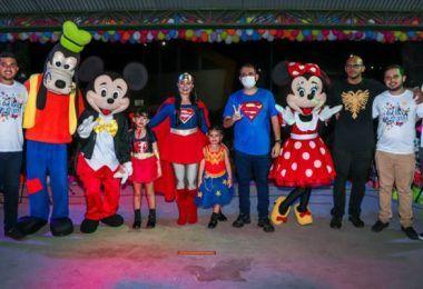 Fernando Pessoa e Erika Costa presenteiam as crianças de Tuntum com uma linda festa