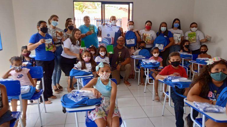 Gestão do Prefeito Fernando Pessoa investe em um Ensino de qualidade e entrega fardamentos a todos os alunos da Rede Pública Municipal