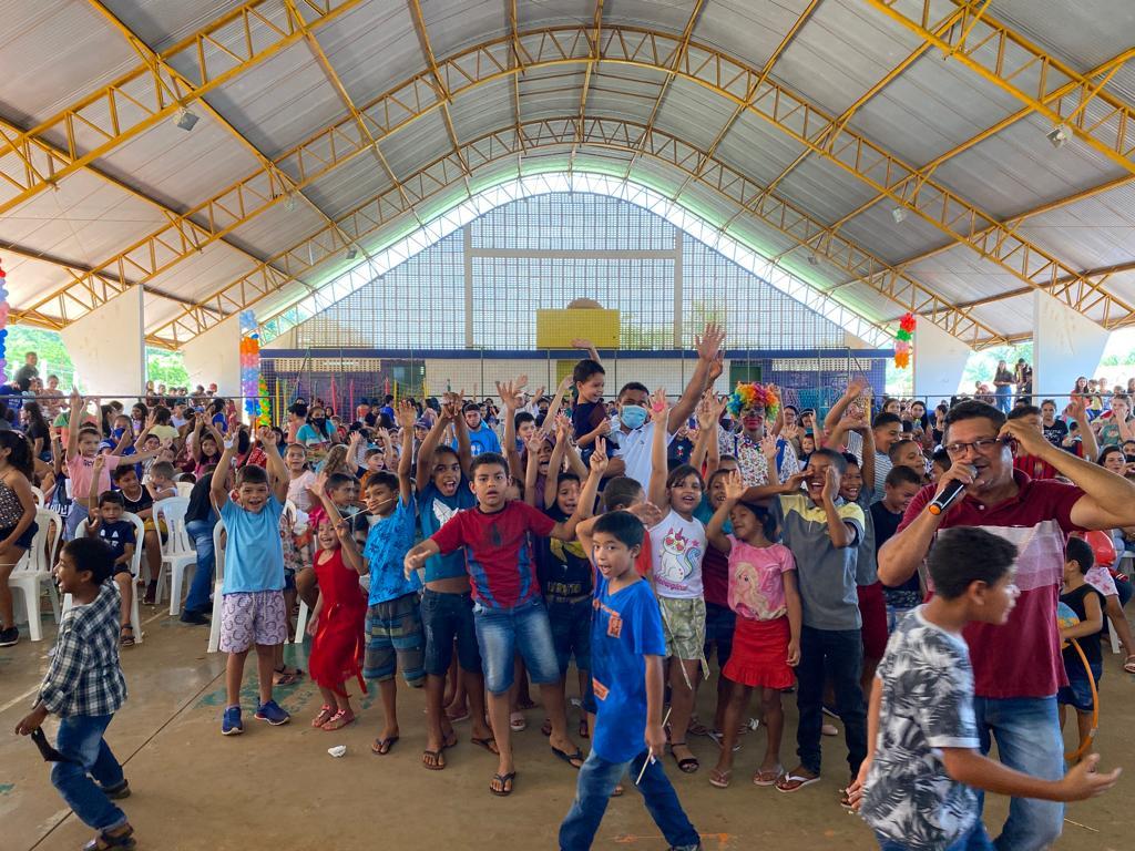 prefeito arnobio promove mega festa em comemoracao ao dia das criancas em jenipapo dos vieiras 13 - Prefeito Arnóbio promove mega festa em comemoração ao dia das crianças em Jenipapo dos Vieiras
