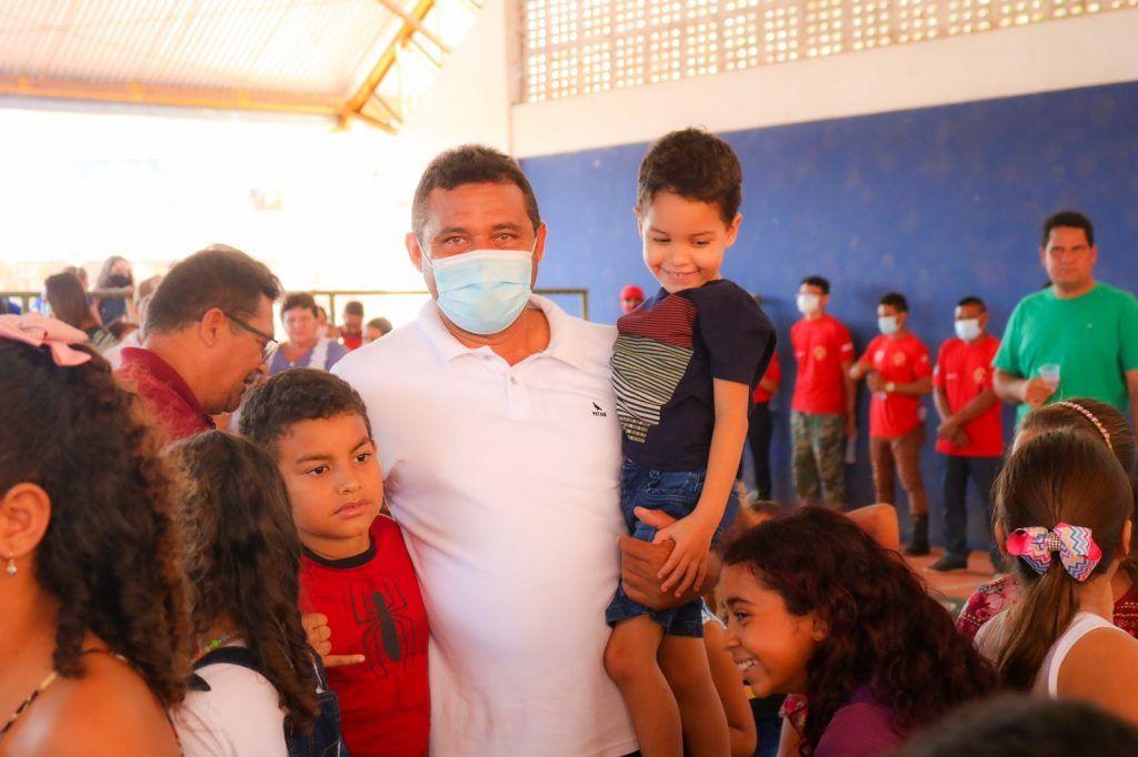prefeito arnobio promove mega festa em comemoracao ao dia das criancas em jenipapo dos vieiras 6 1024x682 - Prefeito Arnóbio promove mega festa em comemoração ao dia das crianças em Jenipapo dos Vieiras