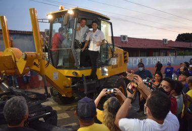 Prefeito Rigo Teles pede e senador Roberto Rocha faz doação de patrol ao município de Barra do Corda